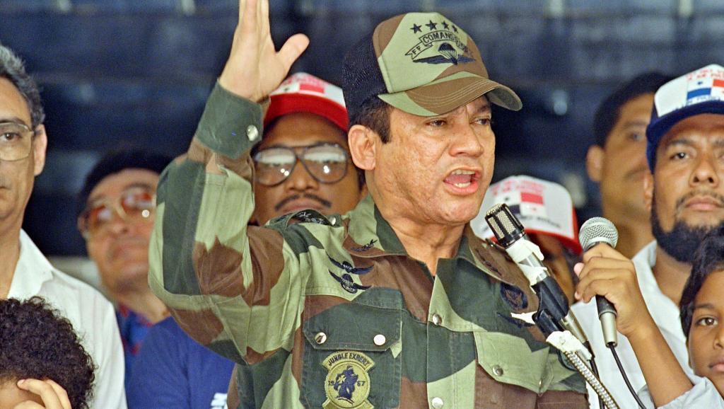 曼努埃尔·诺列加(Manuel Noriega)摄于1988年照片