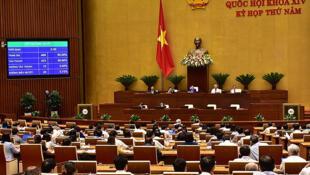 Đại biểu Quốc Hội Việt Nam bỏ phiếu luật an ninh mạng, ngày 12/06/2018, tại Hà Nội.