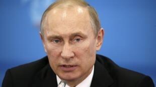 El presidente de Rusia, Vladimir Putin, niega que Rusia haya buscado desestabilizar a Ucrania.