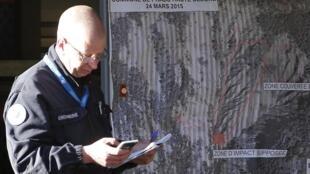 L'enquête pour déterminer les circonstances exactes du crash se poursuit en France.