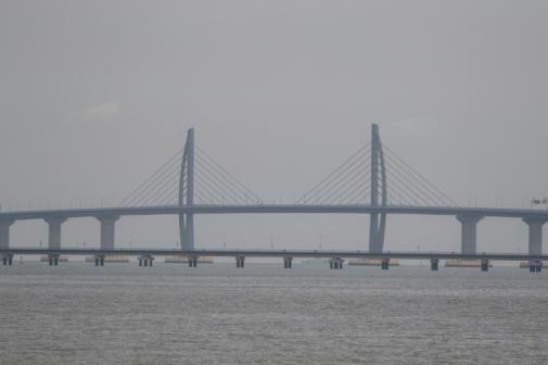Ponte sobre o mar mais comprida do mundo liga Macau, Hong Kong e Zhuhai