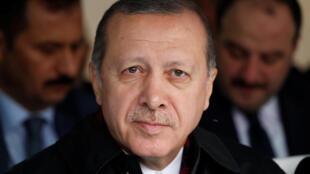 Tổng thống Thổ Nhĩ Kỳ Recep Erdogan, ngày 30/09/2017, dọa bóp nghẹt kinh tế Kurdistan