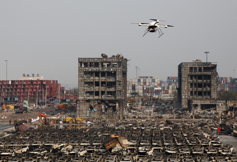 Le port commercial de Tianjin après les explosions du 12 août 2015.