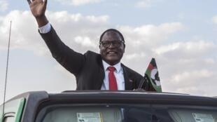 Lazarus Chakwera, ici en campagne électorale, le 20 juin.