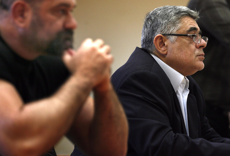 Nikolaos Mihaloliakos (d.), leader du parti néonazi Aube dorée, le 23 avril 2012.