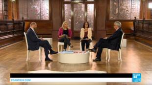 Martin Schulz et Jean-Claude Juncker, lors de la 300e édition de l'émission «Ici l'Europe», présentée par Caroline de Camaret et Dominique Baillard.