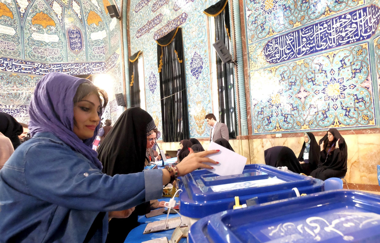 Избирательный участок в Тегеране, 26 февраля 2016 г.