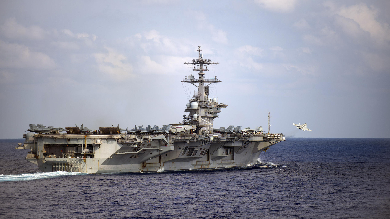 (Ảnh minh họa) – Tàu sân bay của Mỹ USS Theodore Roosevelt, một trong các tàu sân bay tham gia tập trận tại biển Philippines.