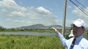 Ông Francis Donovan, trưởng phái đoàn Mỹ thuộc Cơ quan Phát triển Quốc tế Hoa Kỳ (USAID) trong lễ khai trương dự án tẩy rửa chất độc da cam, tại Đà Nẵng, ngày 09/08/2012
