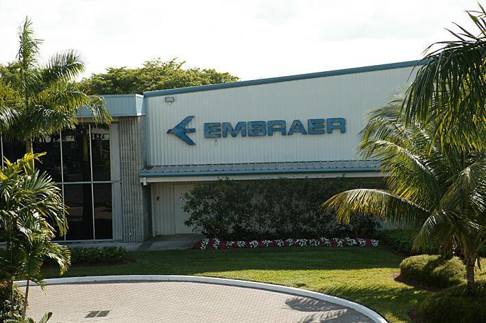 A Embraer anunciou encomenda de 50 jatos regionais pela Trans States Holdings.