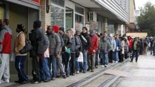 Le chômage des jeunes frappe plus de 5,5 millions d'Européens de moins 25 ans.