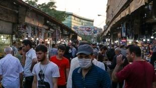 """""""یکی از اقداماتی که دولت میتواند انجام دهد، توزیع ماسک رایگان است""""..."""