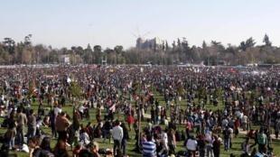 Le parc O'Higgins, à Santiago, était plein à craquer ce dimanche 21 août 2011.