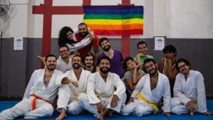 A Rio, les cours d'autodéfense type krav-maga connaissent un succès notoire depuis la fin de campagne présidentielle puis l'élection de Jair Bolsonaro.