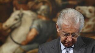 Primeiro-ministro italiano Mario Monti é alvo de críticas em razão das medidas de austeridades impostas por seu governo.