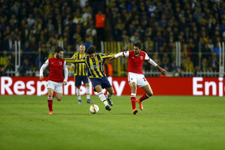 A primeira mão entre o Fenerbahçe e o Sporting de Braga foi um jogo equilibrado que acabou com uma vitória turca pela margem mínima, 1-0.