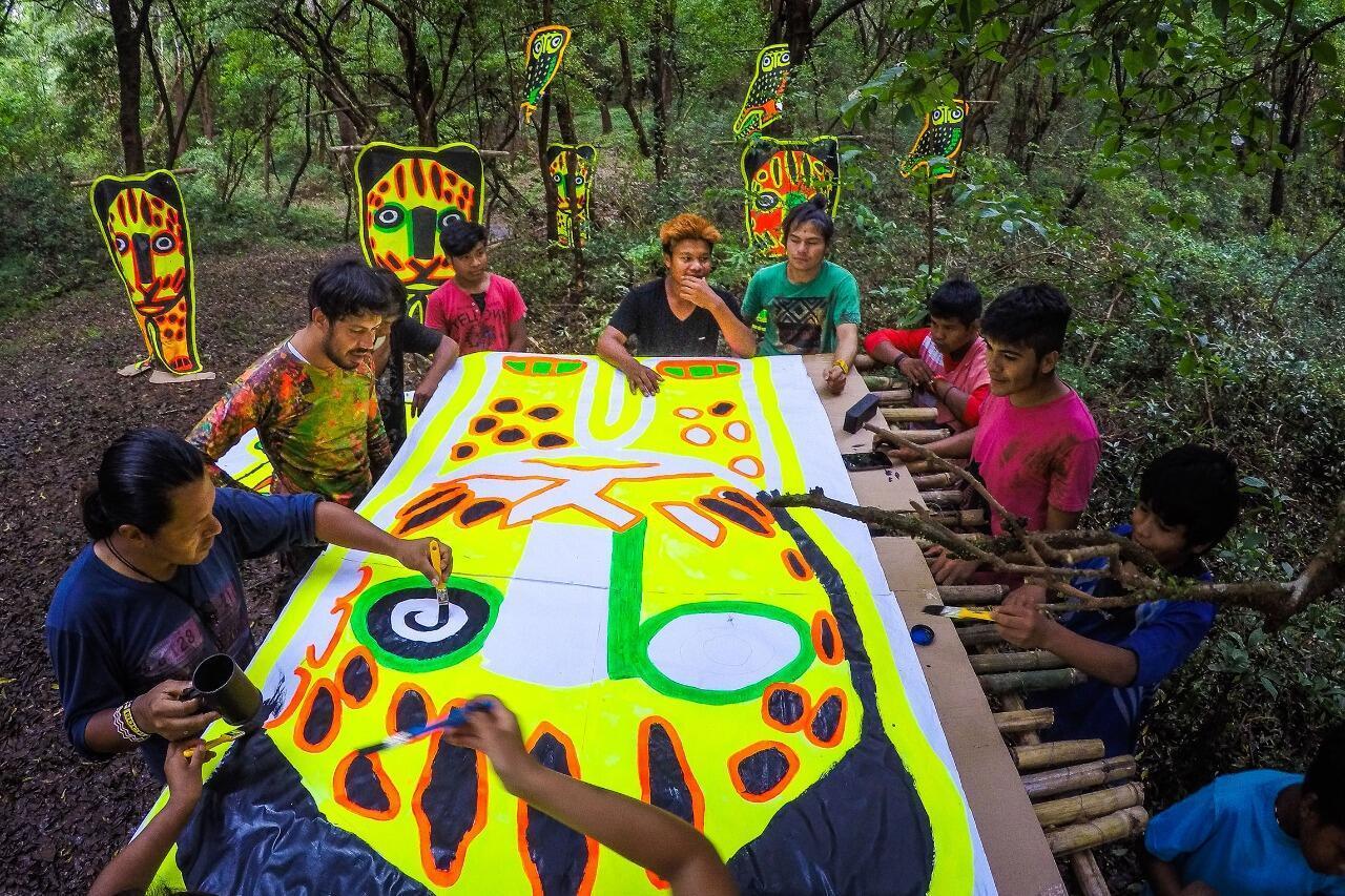Xadalu também promove ateliês artísticos em comunidades indígenas.