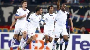 O Belenenses venceu o Basileia por 2-1. O primeiro golo foi apontado pelo avançado são-tomense, Luís Leal (direita).