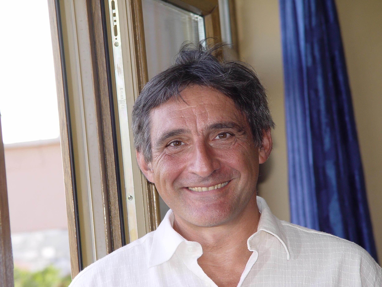 Ahmet Insel (économiste et politologue).