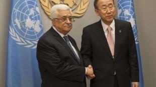 Mahmoud Abbas (ici avec Ban Ki-moon en septembre 2012) devrait voir le statut de la Palestine rehaussé à celui d'Etat observateur à l'ONU.