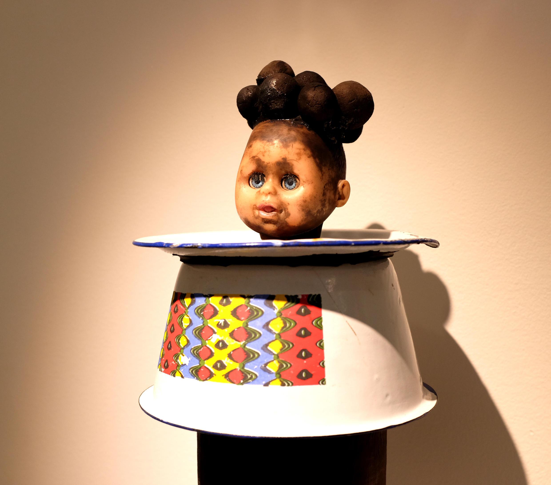 « Elégante » (2016), œuvre de l'artiste béninois Gérard Quenum, exposée dans « Paris-Cotonou-Paris », à la Galerie Vallois.