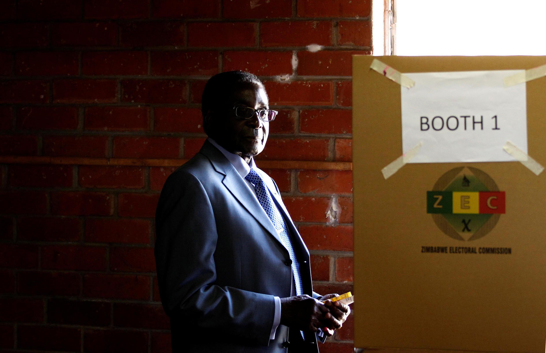 L'ancien président du Zimbabwe, Robert Mugabe, à Harare, le 31 juillet 2013.