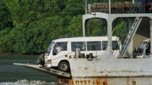 17 ambulâncias chegaram à ilha de Nusa Kambangan onde decorrem as execuções. 28/07/16