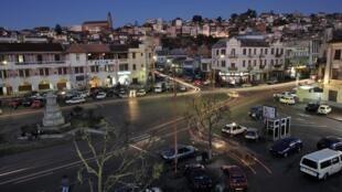 La nuit tombée sur Antananarivo, la capitale malgache.
