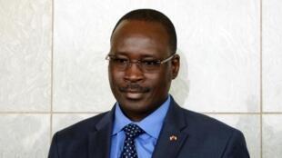 Waziri Mkuu wa mpito wa Burkina Faso Isaac Zida achukuliwa kama adui na wanajeshi wa kikosi cha ulinzi wa Rais.