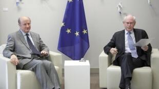 Poland's Finance Minister Jacek Rostowski (L) meets European Council President Herman Van Rompuy before an eurozone finance ministers' meeting in Brussels 11 July  2011