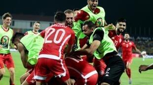 La joie des Tunisiens après le but de Khenissi face au Ghana, à la CAN 2019.