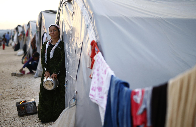 L'avancée des jihadistes semble avoir été ralentie à Kobane en Syrie, mais les réfugiés ne peuvent pas encore rentrer chez eux.