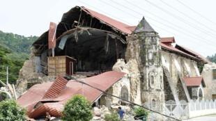 گفته میشود دو کلیسای مربوط به قرن شانزدهم در  جریان زلزله امروز آسیب فراوانی دیده اند