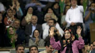 زهرا رهنورد، در میتینگ انتخاباتی موسوی