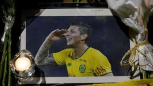 Une photo en hommage au footballeur Emiliano Sala, disparu en mer le 21 janvier 2019.