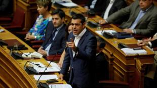 Le Premier ministre grec Alexis Tsipras lors du débat au Parlement sur la question du nom de la Macédoine, le 14 juin 2018 à Athènes.