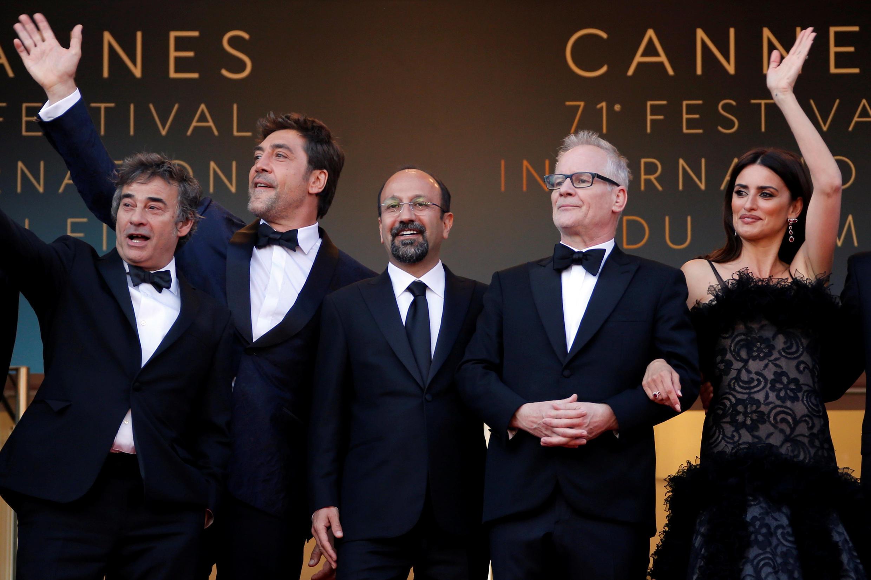 阿斯哈 ·法哈蒂(Asghar Farhadi)的新片《人盡皆知》主創人員,2018年5月8號 戛納