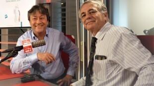 El diplomático francés Jean Mendelson con Jordi Batallé en RFI