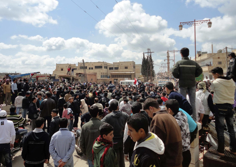 Anti-government demonstrators in the Dael region, near Daraa, 25 March 2011