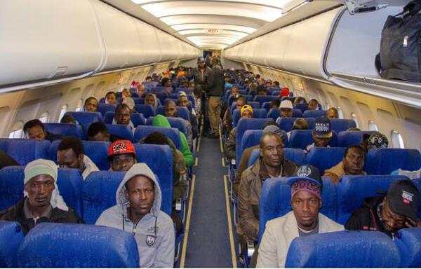 Migrants returning home from Libya to Burkina Faso (file photo)