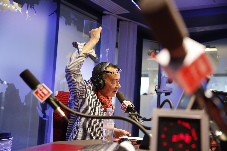 Laurent Sadoux, com a sua voz grave e quente, apresentou os noticiários em francês para África, no início da tarde.