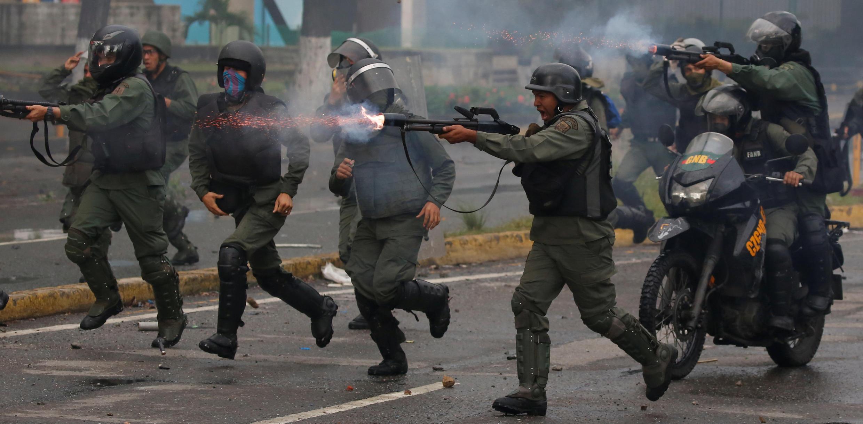 سرکوب تظاهرکنندگان در ونزوئلا