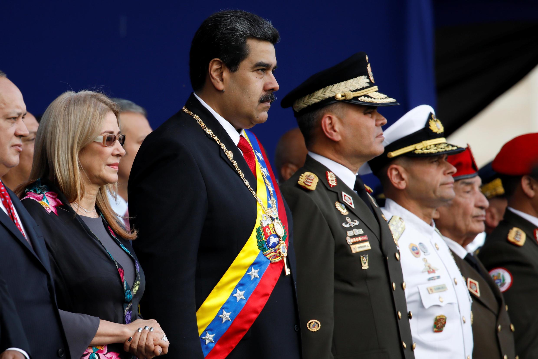В четверг министр обороны Венесуэлы заявил о верности военных Николасу Мадуро