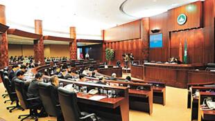 Lãnh đạo hành pháp Macao không do dân bầu trực tiếp, mà do một ủy ban 400 đại cử tri thân Bắc Kinh, đề cử - DR