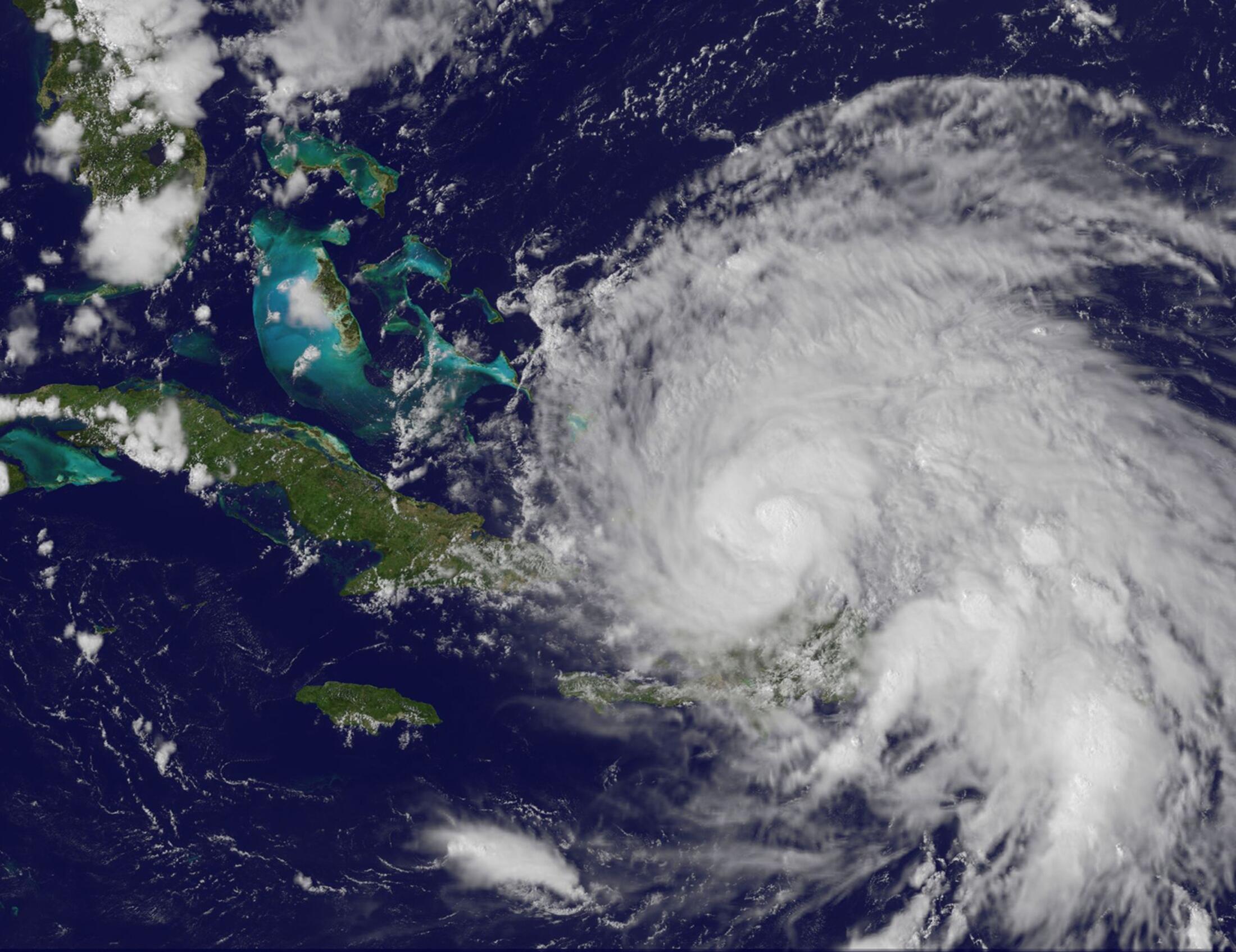 Furacão Irene segue para Bahamas e pode atingir os Estados Unidos nesse fim de semana.