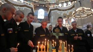 В Морском Никольском соборе в Кронштадте прошла панихида по погибшим морякам-подводникам, 4 июля 2019