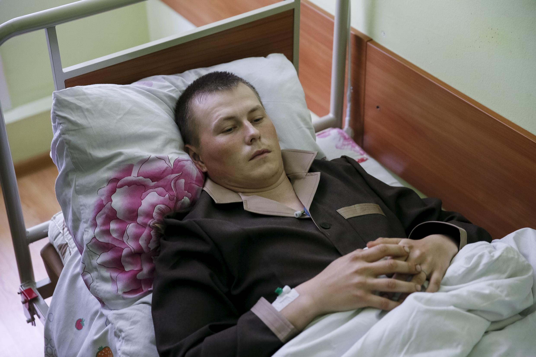 Ucrânia exibe imagem que seria de um dos dois soldados russos detidos no fim de semana pelas forças de Kiev.