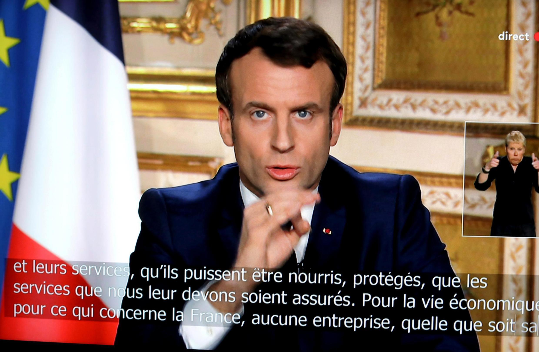امانوئل ماکرون، رئیس جمهوری فرانسه، در دومین گفتار تلویزیونی خود در بارۀ بحران شیوع ویروس کرونا - دوشنبه ١٦ مارس ٢٠٢٠/٢٦ اسفند ١٣٩٨