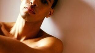 Daniel Graça, o modelo crioulo, que vive em Londres, quer ser Mister Universal, em novembro, na Indonésia