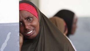 Un mujer llora tras la muerte de su hijo en un hospital de Mogadiscio, el 21 de julio de 2011.